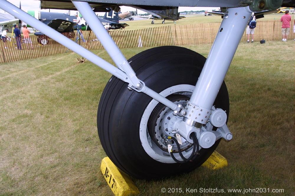 Boeing B 17 Eaa Aluminum Overcast N5017n Airplane Photos